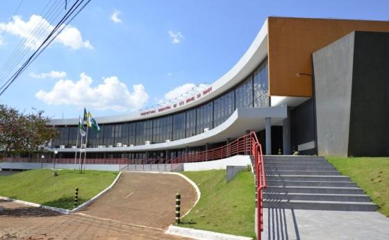 Justiça atende pedido do MPPR e bloqueia bens de prefeito e secretário de São Miguel do Iguaçu