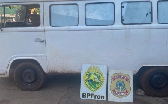 Kombi com cigarros contrabandeados é apreendida pelo BPFRON e Polícia Federal em Itaipulândia