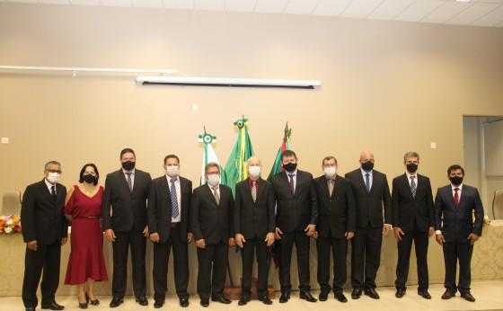 Legislativo de Missal empossa prefeito, vice-prefeito, vereadores e elege Mesa Diretora