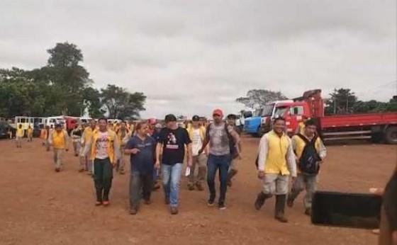 Mais de 300 trabalhadores fazem greve por falta de pagamento em Missal