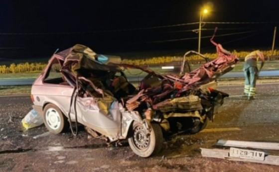 Medianeira: Motorista fica gravemente ferido ao colidir veículo na traseira de caminhão