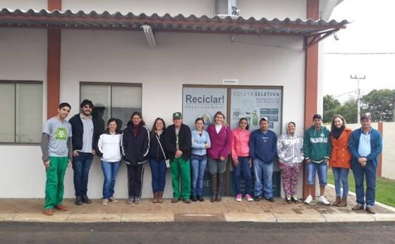 Membros da Acamis visitam a Associação de Santa Terezinha