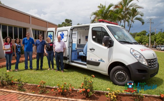 Missal recebe ambulância do Governo Federal