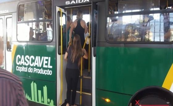 Mulher relata que presenciou abuso em ônibus do transporte público de Cascavel