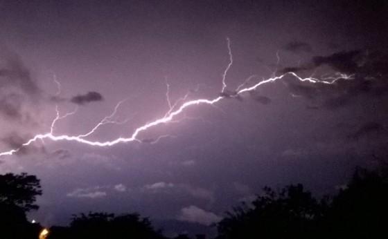 Paraná pode ter tempestades e ventos de até 80 km/h nesta terça-feira