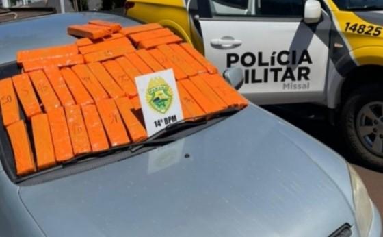 PM de Missal apreende veículo, droga e detém uma pessoa em Portão do Ocoí