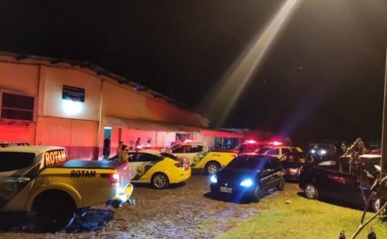 Polícia acaba com festa clandestina no interior de Medianeira