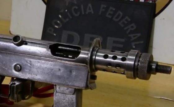 Polícia Federal prende dois homens com submetralhadora de uso restrito, em Matelândia