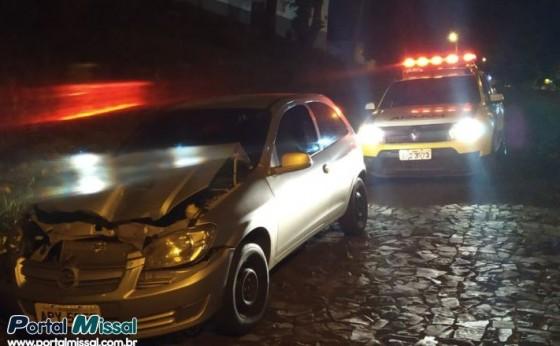 Polícia Militar recupera carro roubado abandonado no centro de São Miguel do Iguaçu