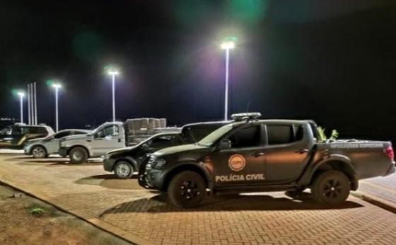 Policiais apreendem veículos e cigarros na área rural de Missal e Itaipulândia