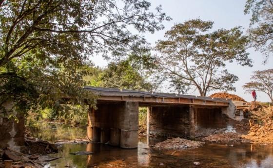 Ponte sobre o Rio Feijão Verde está liberada