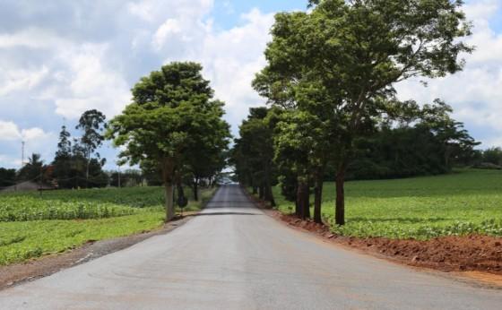 Primeiro trecho de pavimentação asfáltica e recomposição da base na estrada para Prainha