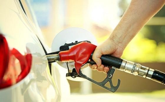 Queda no preço da gasolina surpreende em Medianeira e São Miguel: preço mínimo chegou a R$ 3,99