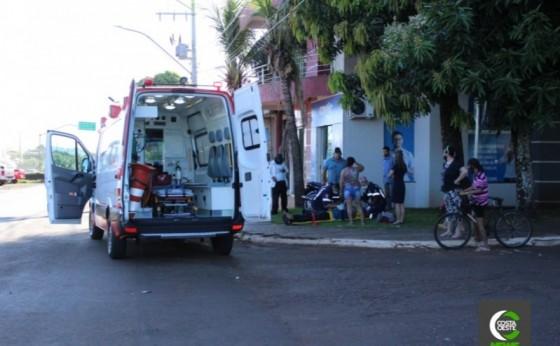 Rapaz fica ferido após colidir moto em plantadeira no interior de Santa Helena