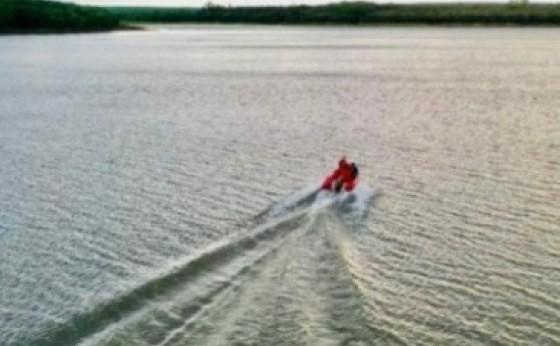São Miguel: Homem morre afogado após barco virar no Lago de Itaipu
