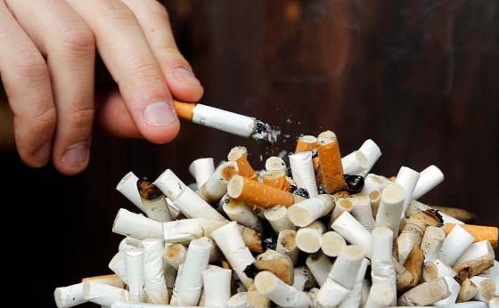 Saúde alerta para riscos da Covid-19 em fumantes
