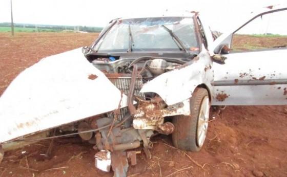 Saveiro fica destruída após acidente na PR 495