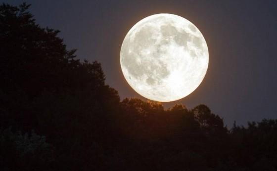 Última 'superlua' do ano poderá ser vista na noite desta quinta-feira no Brasil