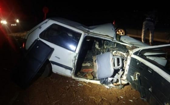 Veículo com placas de Medianeira se envolve em grave acidente com cinco feridos em Mercedes