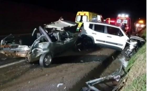 Veículos de Santa Helena se envolvem em acidente na BR 277