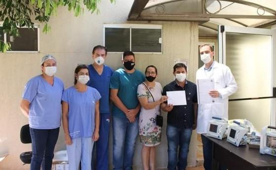 Vereadores da UPM doam cilindros de oxigênio para Hospital de Missal